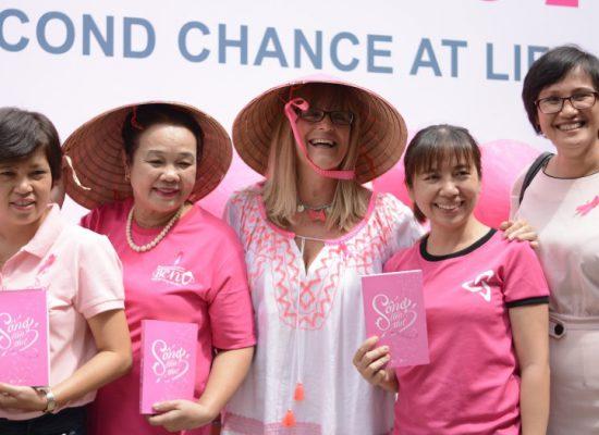 Hưởng ứng ngày ung thư thế giới – Tổng lãnh sự Úc chiến thắng ung thư: Tôi cảm thấy hạnh phúc vì được sống!