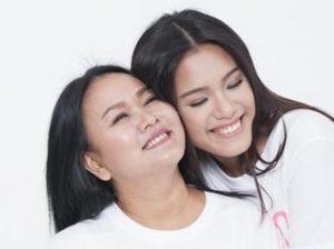 Phương Vy cùng mẹ chống chọi căn bệnh ung thư vú